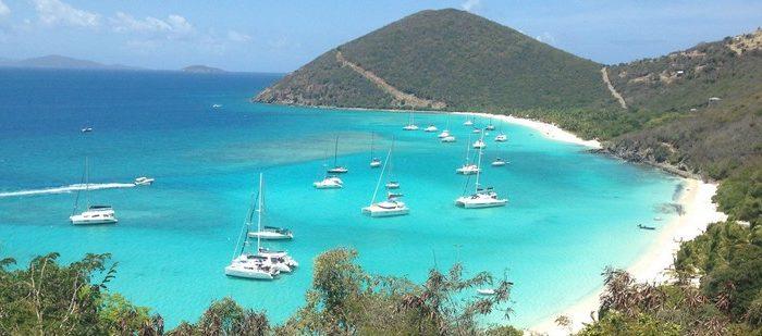 Crociere nelle Isole Vergini Americane in catamarano